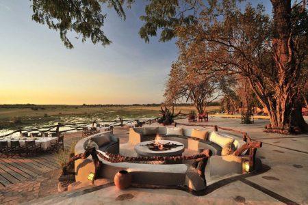 Aus der Lodge heraus bietet sich ein gigantischer Blick über die Ebene zum Luangwa.
