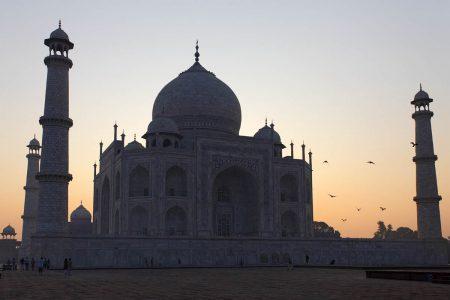 Taj Mahal früh morgens bei Sonnenaufgang - Indien Reise