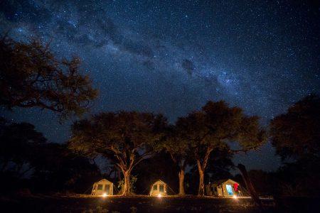 Zeltcamp bei Nacht
