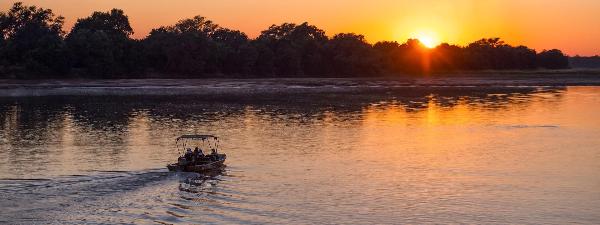 Luangwa-Boot-Sonnenuntergang
